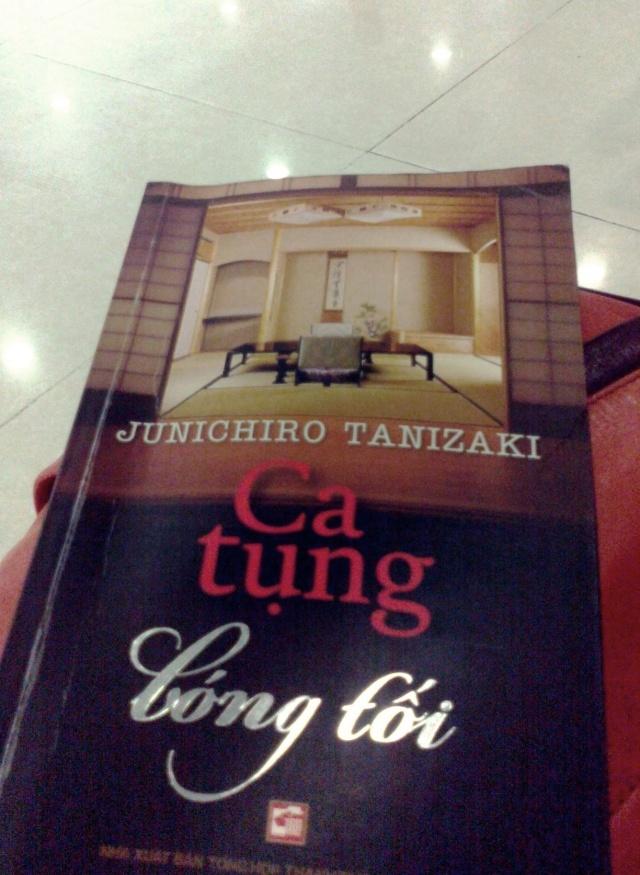 Ở sân bay Tân Sơn Nhất
